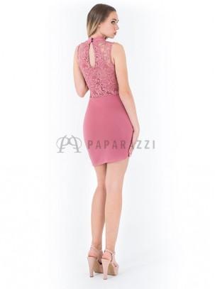 Vestido asimetrico con detalle de encaje