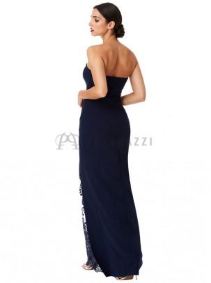 Vestido palabra de honor con abertura lateral y detalle de encaje