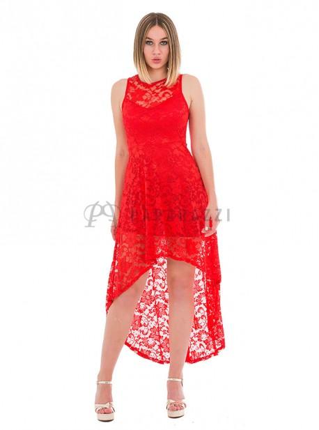 Vestido de encaje con transparencia en escote y cola