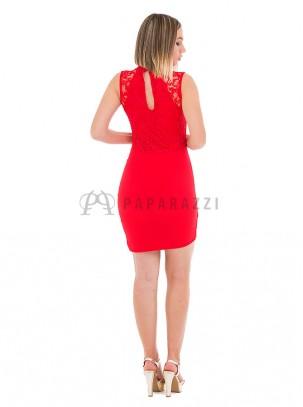 Vestido asimétrico y drapeado con detalle de encaje