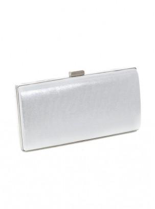Bolso clutch metalizado con cierre de broche y diseño de piedras