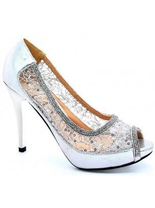 Zapato de tacón y plataforma con punta abierta y detalle de transparencia, lentejuelas y pedrería