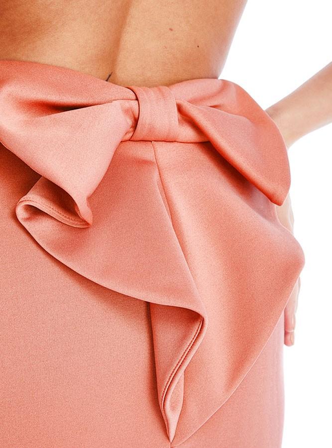 3b571d6615 ... Vestido corto ajustado de espalda descubierta con detalle en forma de  lazo ...