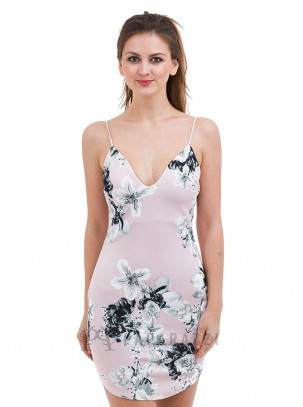 Vestido estampado floral con escote en V y tirante fino