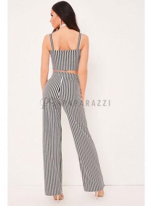 Pantalón palazzo de rayas en blanco y negro