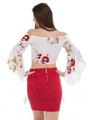 Mini falda de ante con detalle de cordón entrelazado