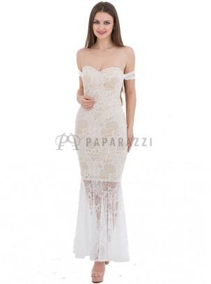 Vestido de encaje, corte sirena de estilo bardot