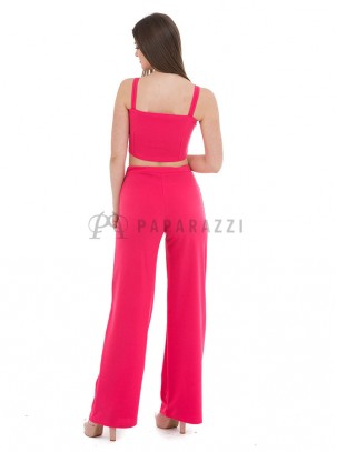 Conjunto de top corto de tirante ancho y pantalón palazzo