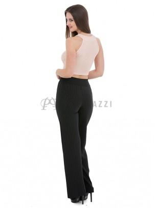 Pantalón plisado de estilo palazzo con detalle de cinturón en la misma tela