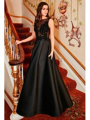 Vestido de gala, con transparencia y bordado con piedras hecho a mano en la parte superior