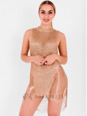 Vestido de rejilla y efecto metalizado con detalle de aberturas