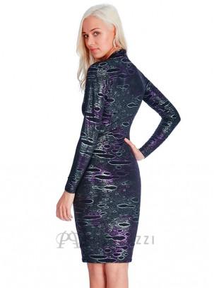 Vestido midi de manga larga fruncido, de estampado metalizado con escote pronunciado