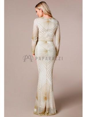 Vestido corte sirena con diseño de lentejuelas de manga larga transparente y escote en V