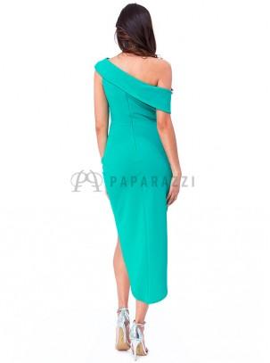 Vestido de corte asimétrico, drapeado en cintura y abertura lateral