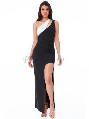 Vestido bicolor con doble tirante, abertura lateral en pierna y drapeado en cintura