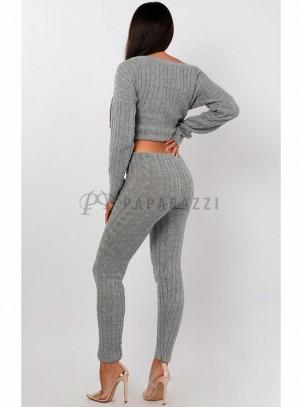 Conjunto de punto con jersey de manga larga y pantalón ajustado
