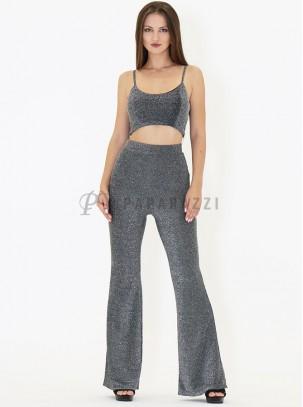 Conjunto en tela de lurex de top corto con tirante fino regulable y pantalón de estilo acampanado