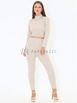 Conjunto de punto fino con jersey de manga larga de cuello alto y pantalón ajustado tipo legging