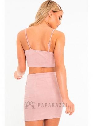 Conjunto de ante con top corto de tirante fino regulable y mini falda